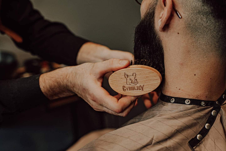 ręcznie robiony kartacz do brody