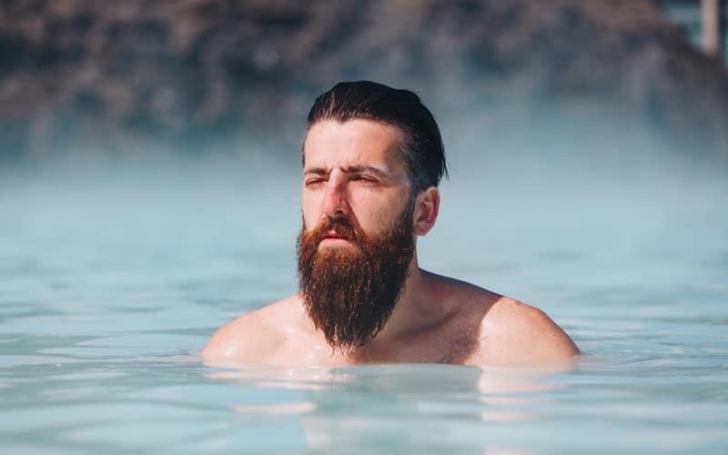 Jak prawidłowo myć brodę?