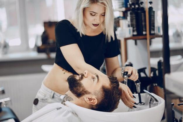 zmywanie pomad do włosów